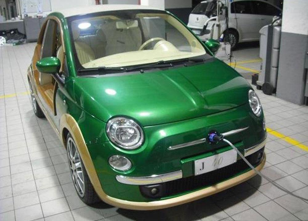 http://www.wandaloo.com/files/2011/10/FIAT-500-Kadhafi-02.jpg