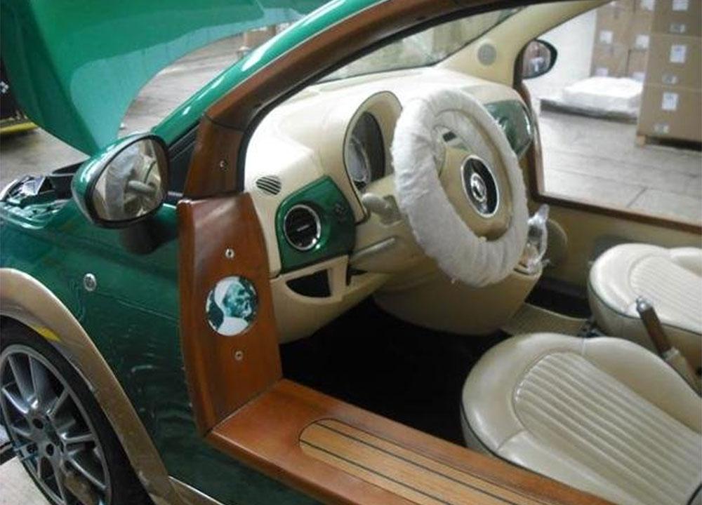 http://www.wandaloo.com/files/2011/10/FIAT-500-Kadhafi-06.jpg
