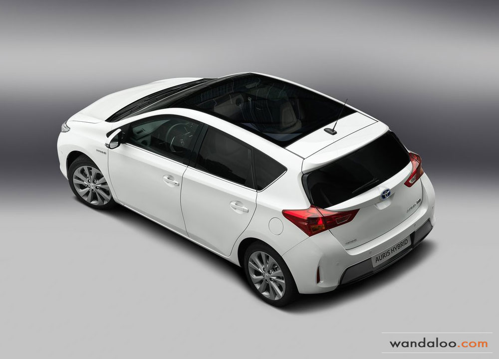 http://www.wandaloo.com/files/2012/08/Toyota-Auris-2013-08.jpg