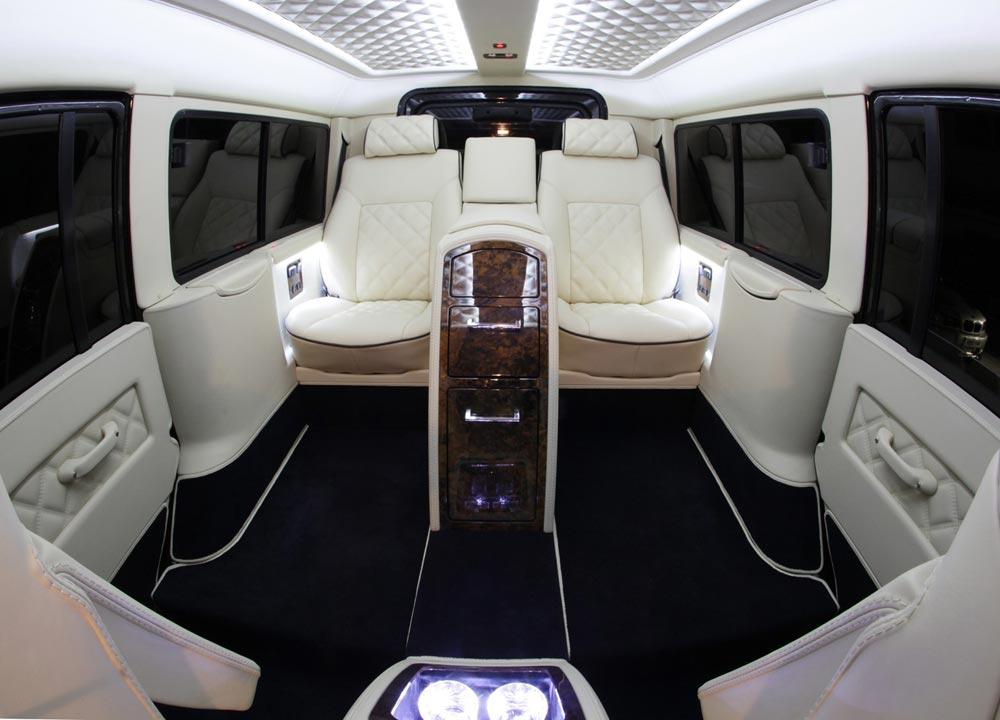 http://www.wandaloo.com/files/2013/06/Land-Rover-Defender-Carisma-Auto-02.jpg