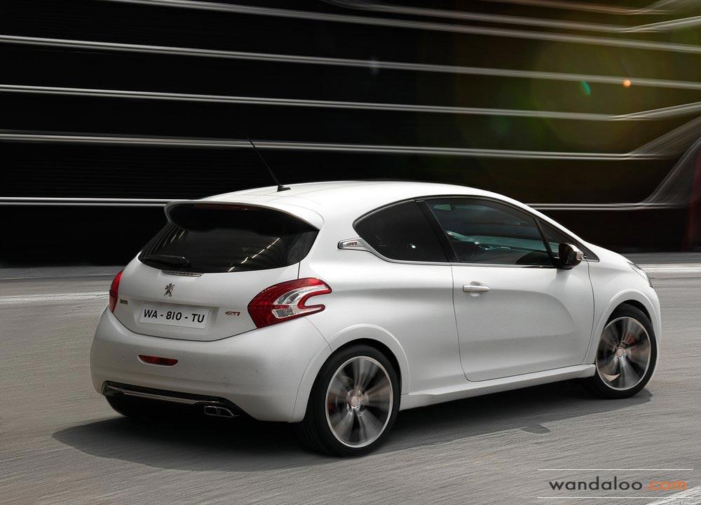 http://www.wandaloo.com/files/2013/11/Peugeot-208-GTi-Maroc-2014-0.jpg