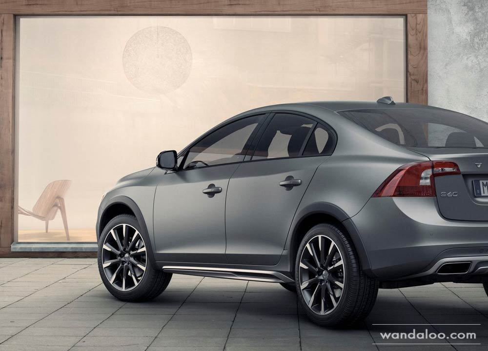 http://www.wandaloo.com/files/2015/01/Volvo-S60-Cross-Country-2016-neuve-Maroc-08.jpg