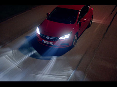 Opel-Astra-LED-Matrix-Light-IntelliLux-video.jpg