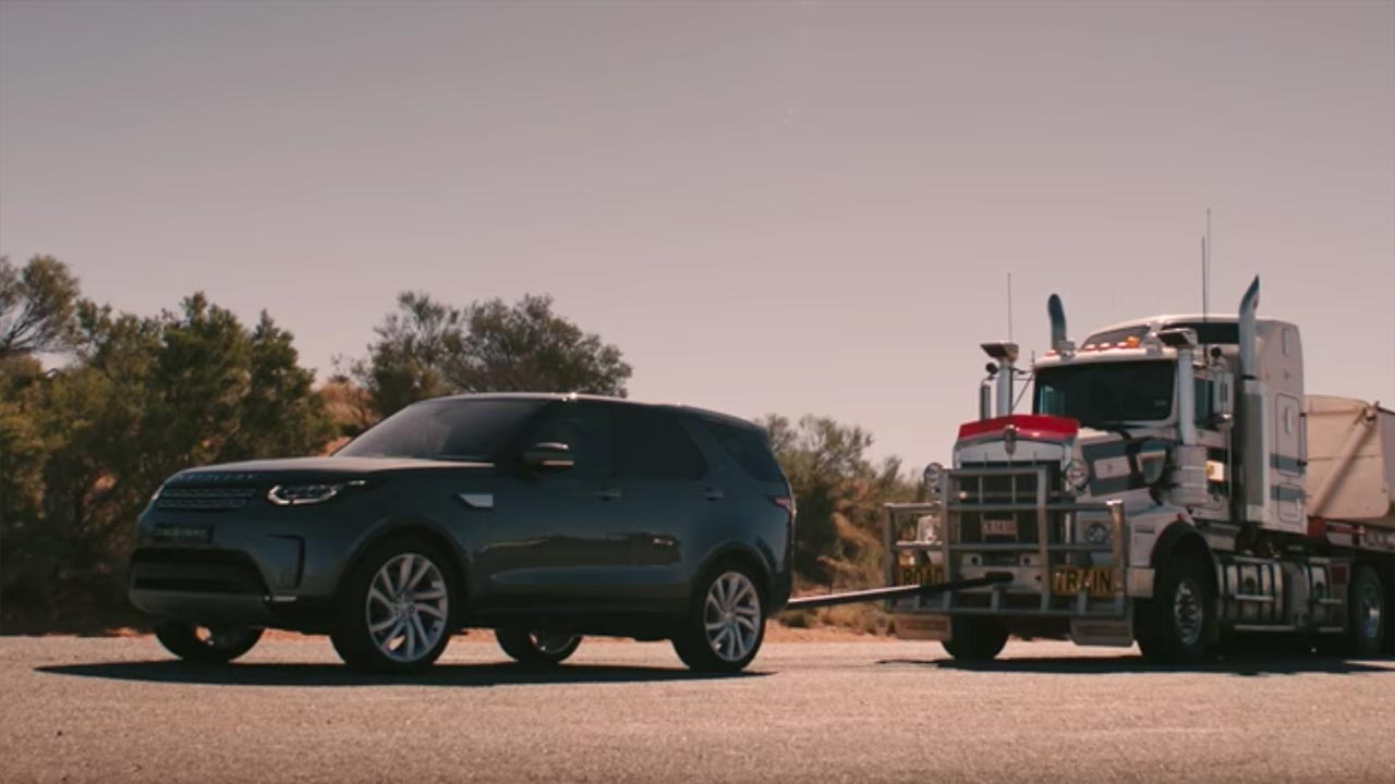 Land-Rover-Discovery-Tracte-Train-110-Tonne-Australie-video.jpg