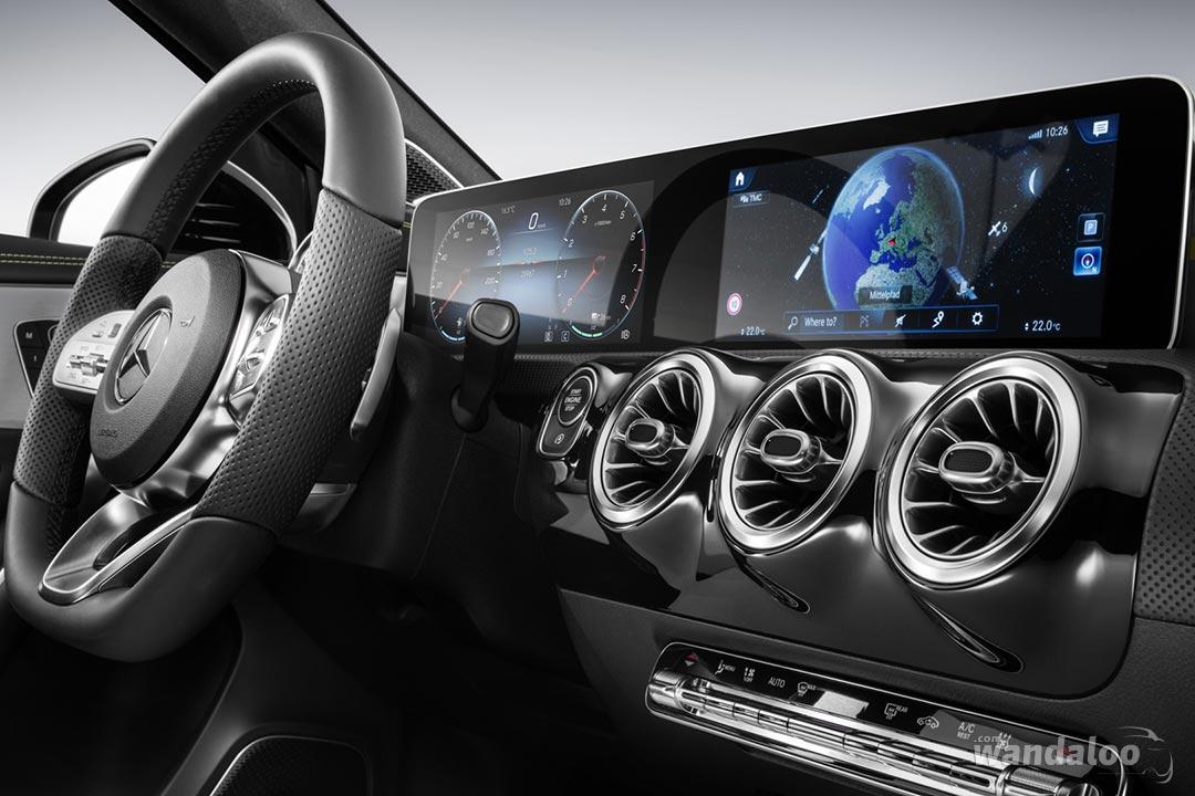 http://www.wandaloo.com/files/2017/11/Mercedes-Classe-A-2018-Interieur-02.jpg