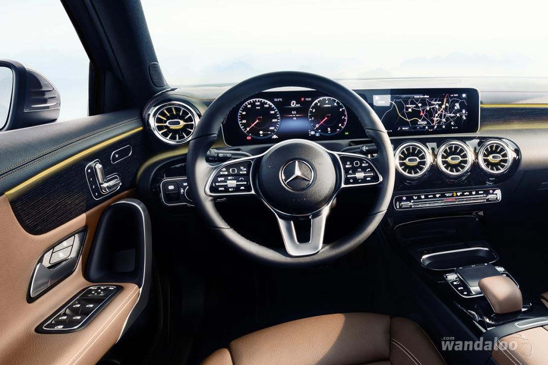 http://www.wandaloo.com/files/2017/11/Mercedes-Classe-A-2018-Interieur-08.jpg