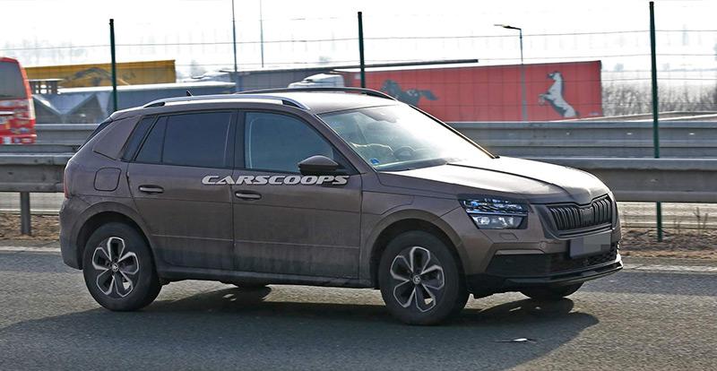 Le futur Skoda Kamiq surpris en circulation ( Carscoops )