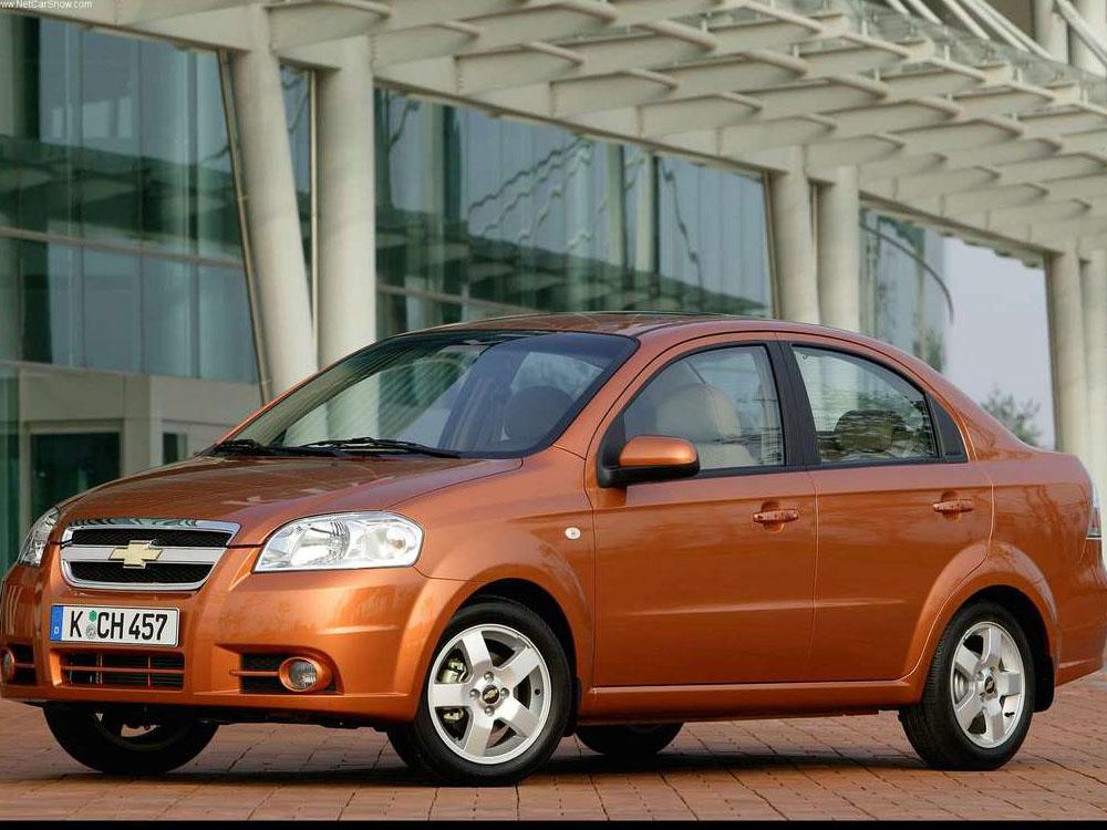 Chevrolet Aveo Ls: Фото 04.