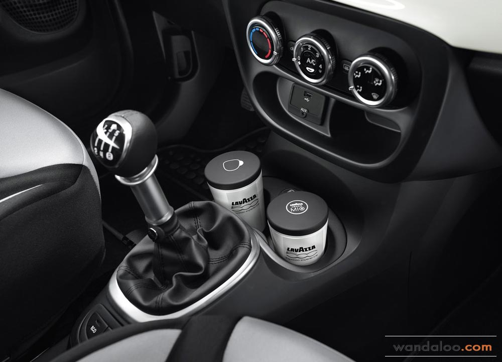 http://www.wandaloo.com/files/Voiture-Neuve/fiat/Fiat-500L-Neuve-Maroc-2013-12.jpg