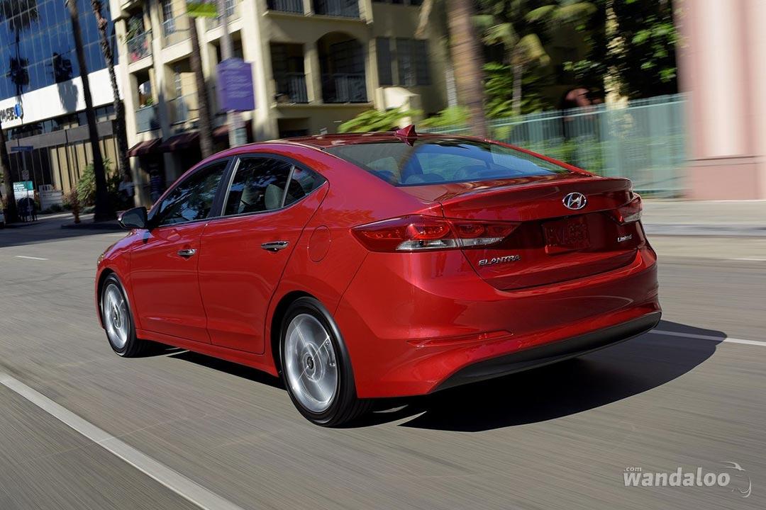 Hyundai-Elantra-2017-neuve-Maroc-02.jpg