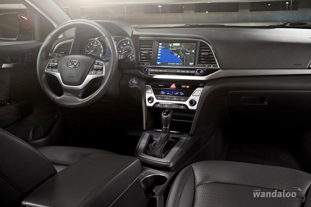 Hyundai-Elantra-2017-neuve-Maroc-10.jpg