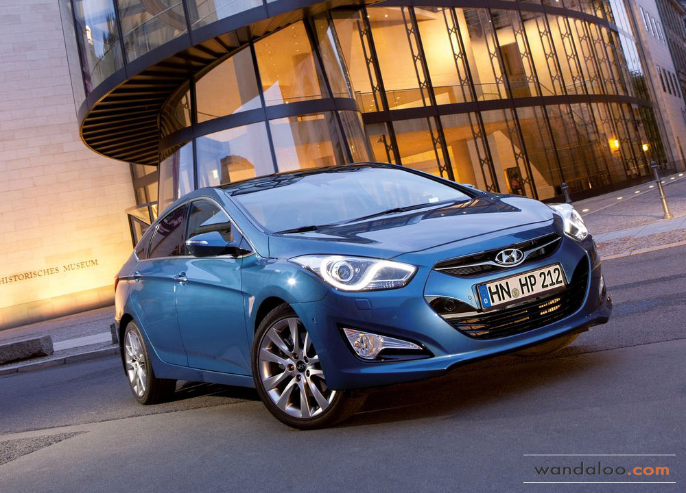 http://www.wandaloo.com/files/Voiture-Neuve/hyundai/Hyundai-i40-2012-01.jpg
