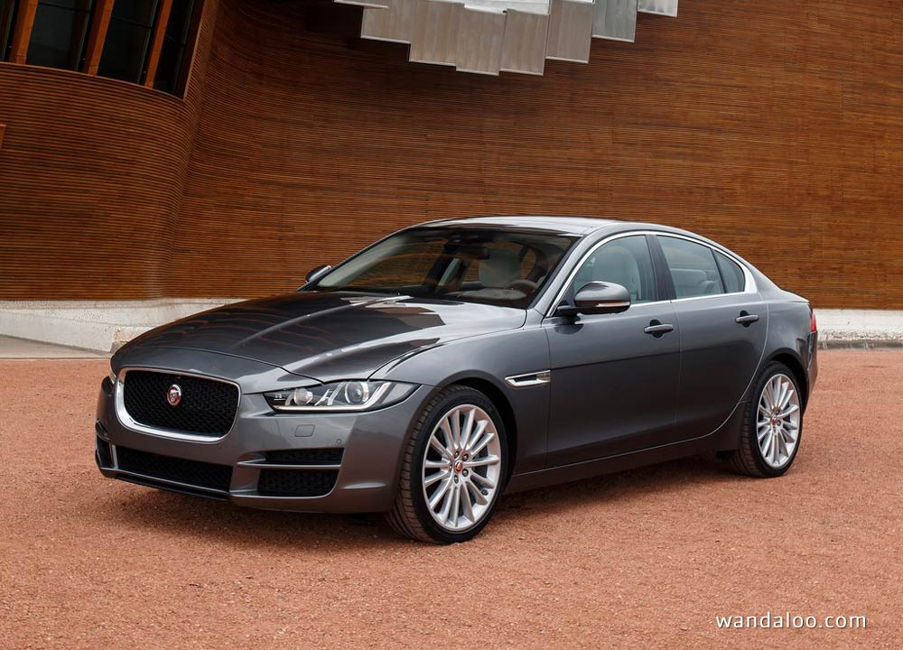 jaguar xe en photos hd. Black Bedroom Furniture Sets. Home Design Ideas