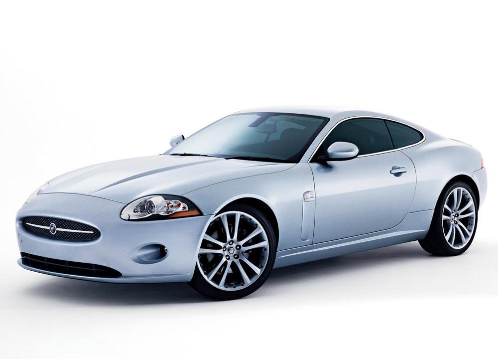 http://www.wandaloo.com/files/Voiture-Neuve/jaguar/XK-Coupe-01.jpg