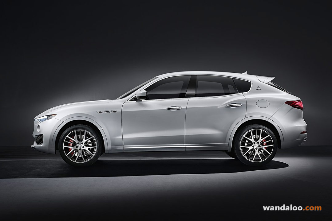 maserati levante en photos hd. Black Bedroom Furniture Sets. Home Design Ideas