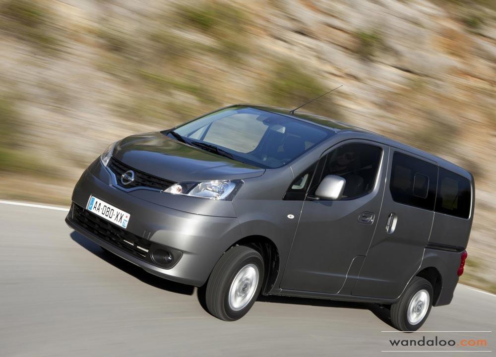 http://www.wandaloo.com/files/Voiture-Neuve/nissan/Nissan-Evalia-2013-Neuve-Maroc-01.jpg