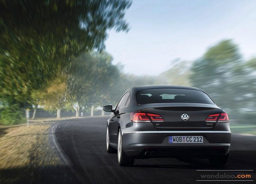 Volkswagen-Passat-CC-2012-02.jpg