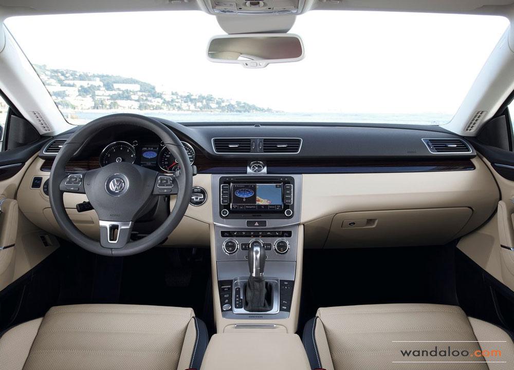 Volkswagen-Passat-CC-2012-05.jpg