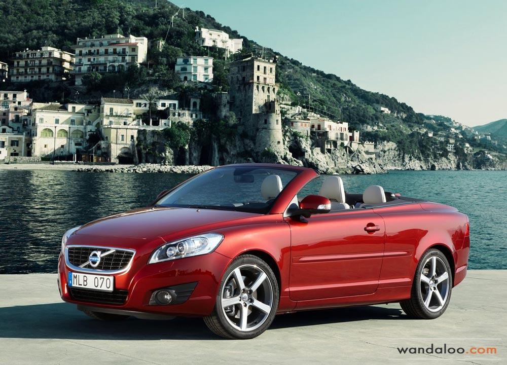 http://www.wandaloo.com/files/Voiture-Neuve/volvo/Volvo-C70-Neuve-Maroc-02.jpg