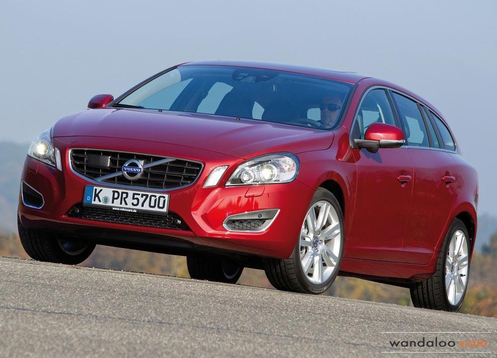 http://www.wandaloo.com/files/Voiture-Neuve/volvo/Volvo-V60-Neuve-Maroc-01.jpg