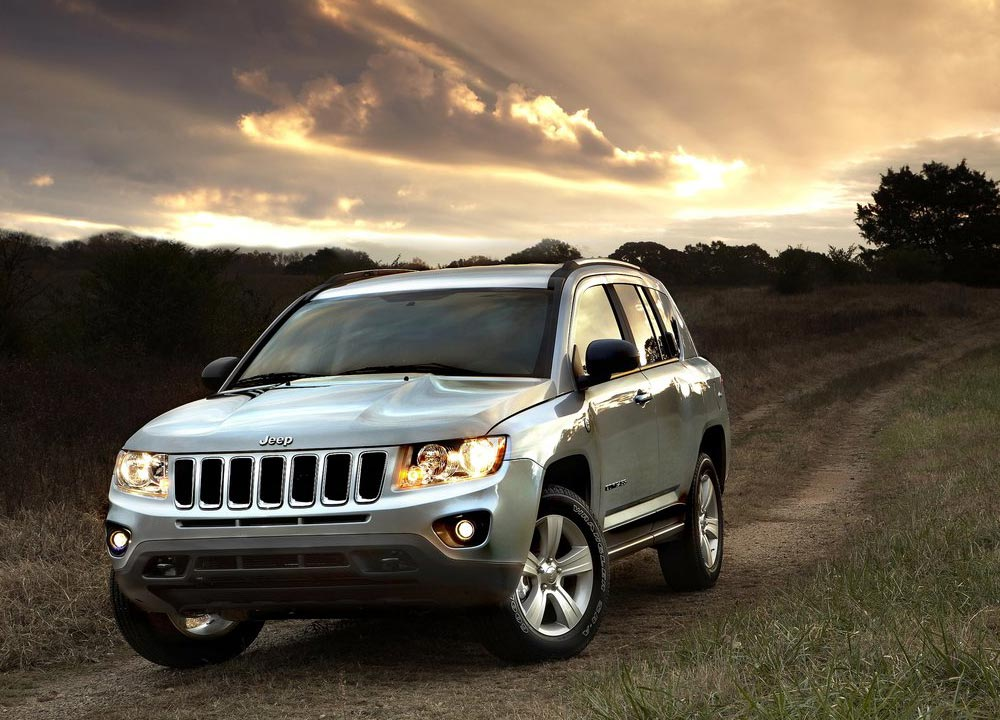 https://www.wandaloo.com/files/2010/12/JEEP-COMPASS-2011-07.jpg