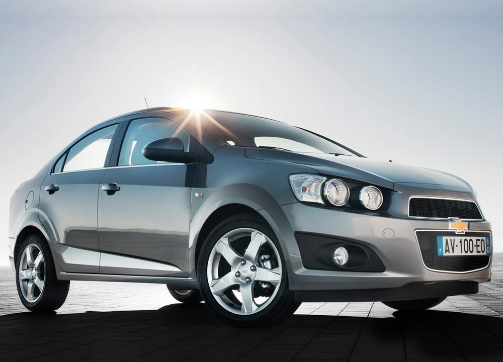 https://www.wandaloo.com/files/2011/05/Chevrolet-Aveo-berline-2011-01.jpg