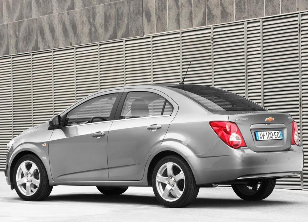 https://www.wandaloo.com/files/2011/05/Chevrolet-Aveo-berline-2011-04.jpg