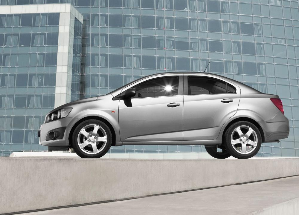 https://www.wandaloo.com/files/2011/05/Chevrolet-Aveo-berline-2011-05.jpg