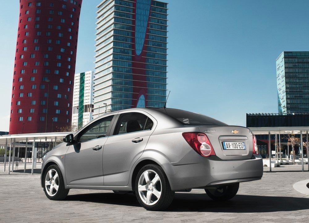 https://www.wandaloo.com/files/2011/05/Chevrolet-Aveo-berline-2011-06.jpg