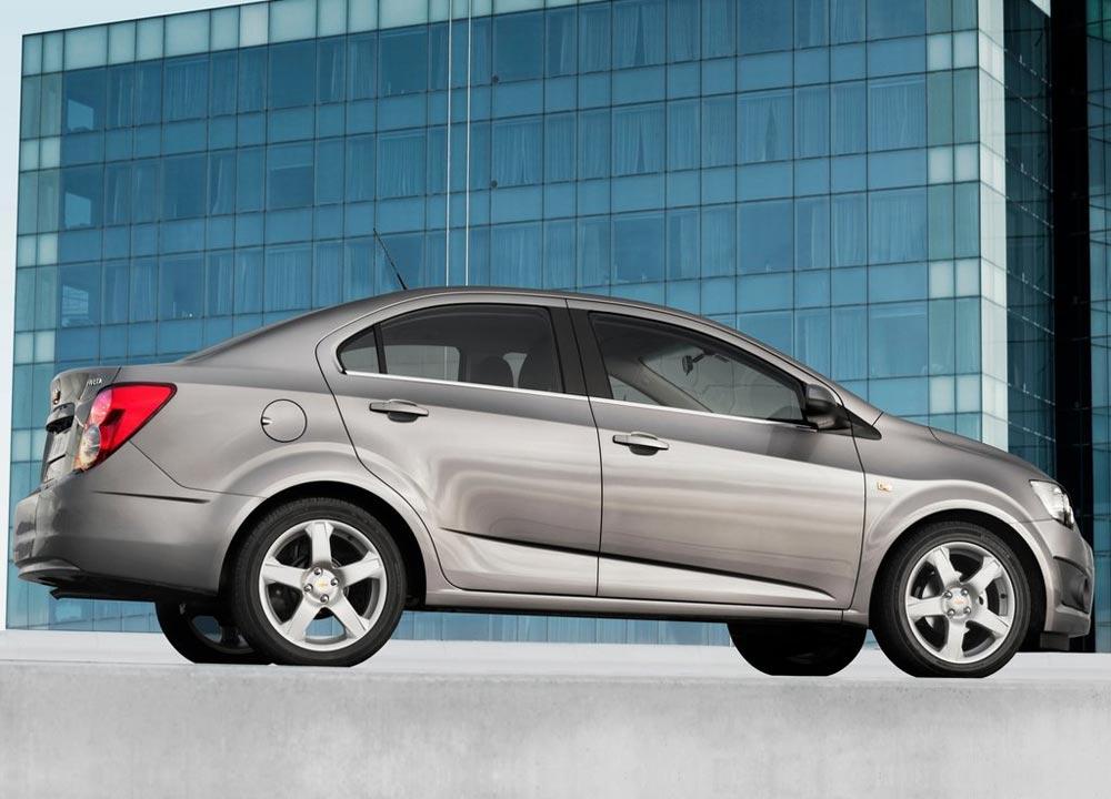 https://www.wandaloo.com/files/2011/05/Chevrolet-Aveo-berline-2011-07.jpg