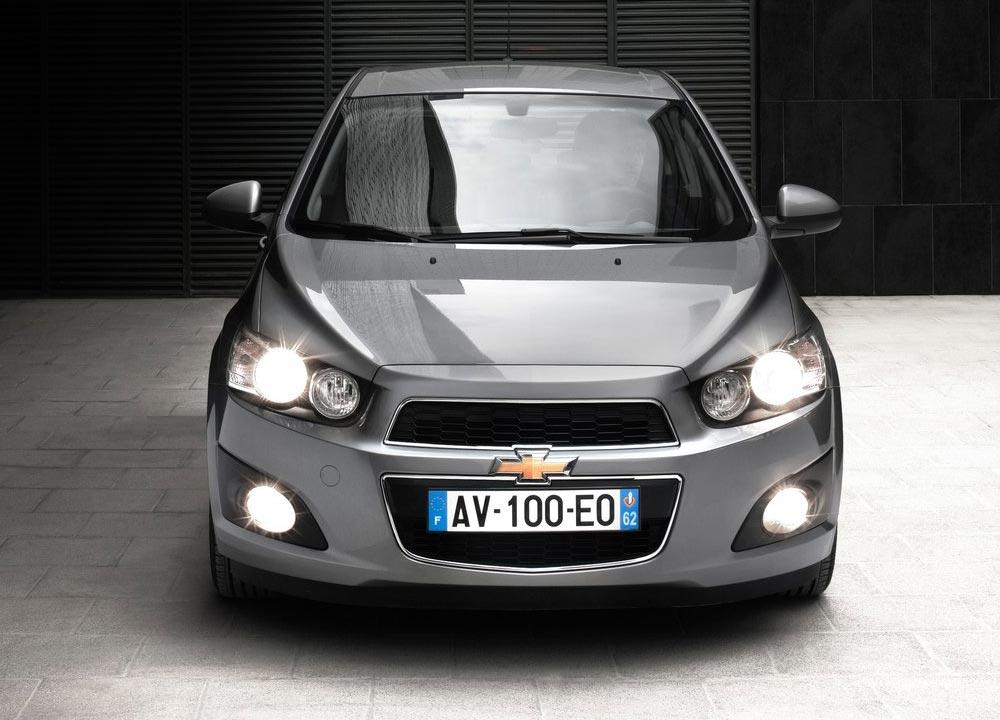 https://www.wandaloo.com/files/2011/05/Chevrolet-Aveo-berline-2011-08.jpg