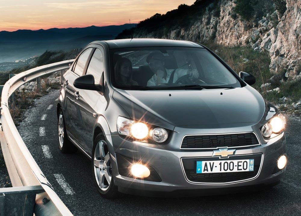 https://www.wandaloo.com/files/2011/05/Chevrolet-Aveo-berline-2011-09.jpg