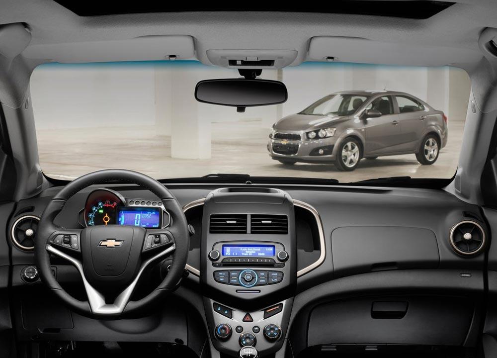 https://www.wandaloo.com/files/2011/05/Chevrolet-Aveo-berline-2011-10.jpg
