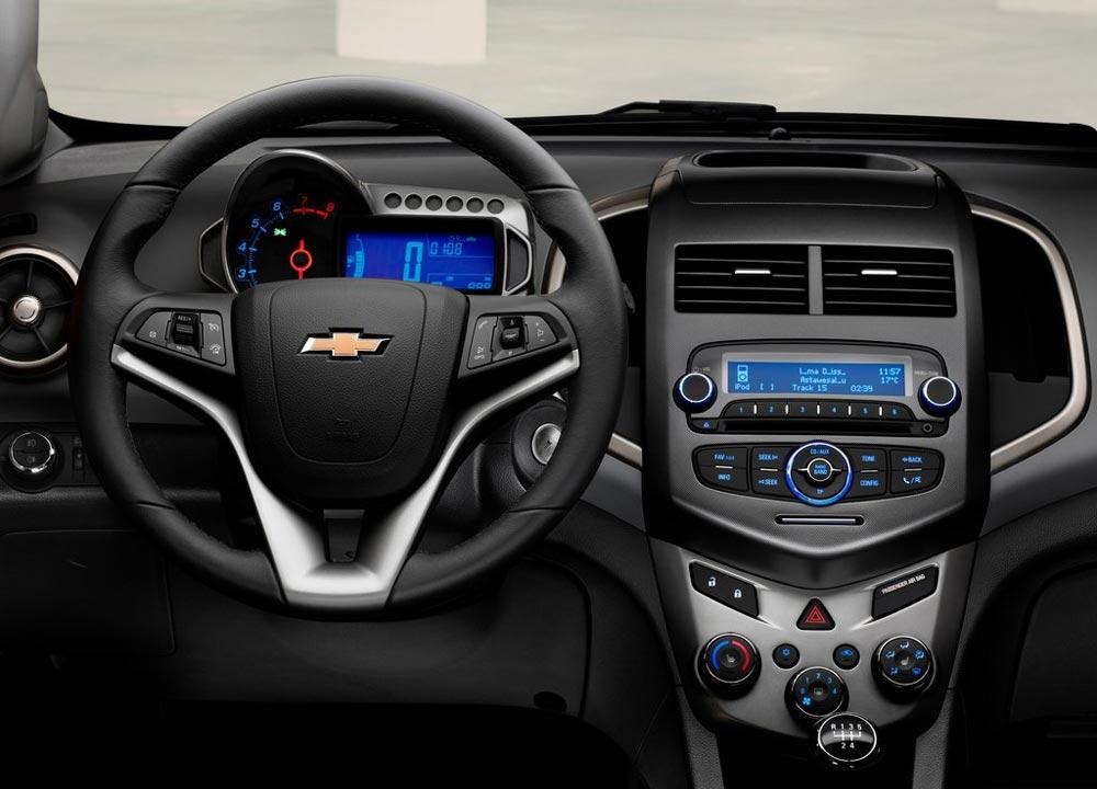 https://www.wandaloo.com/files/2011/05/Chevrolet-Aveo-berline-2011-11.jpg