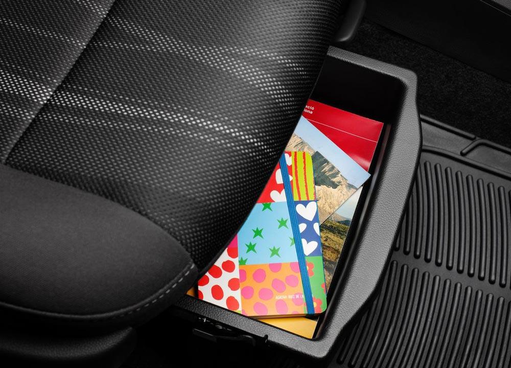 https://www.wandaloo.com/files/2011/05/Chevrolet-Aveo-berline-2011-12.jpg