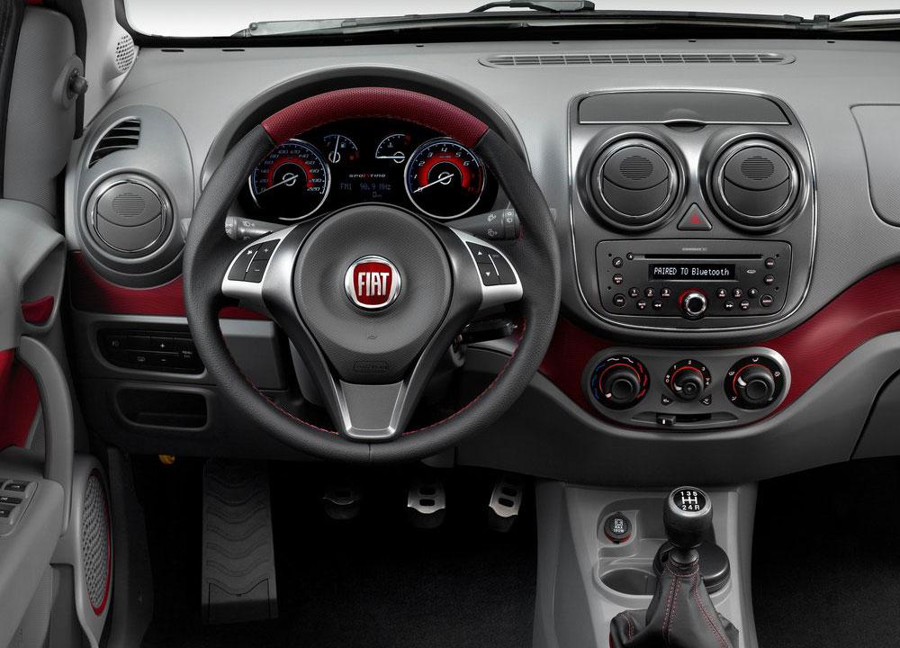 https://www.wandaloo.com/files/2011/11/Fiat-Palio-2012-12.jpg