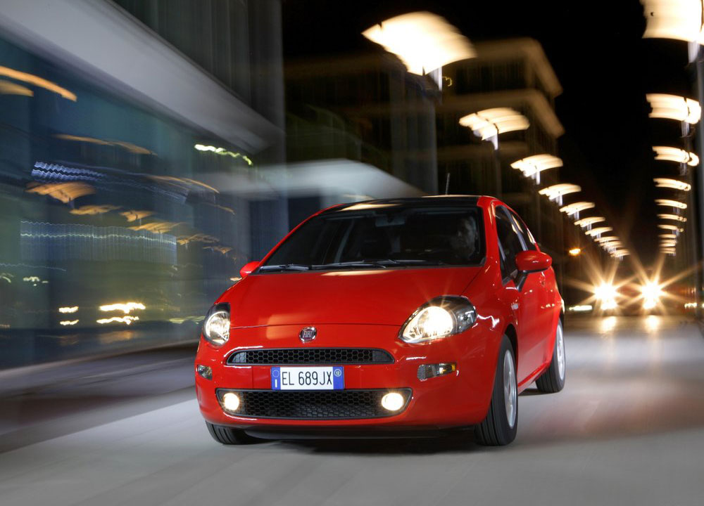 https://www.wandaloo.com/files/2012/02/Fiat-Punto-2012-3-portes-04.jpg