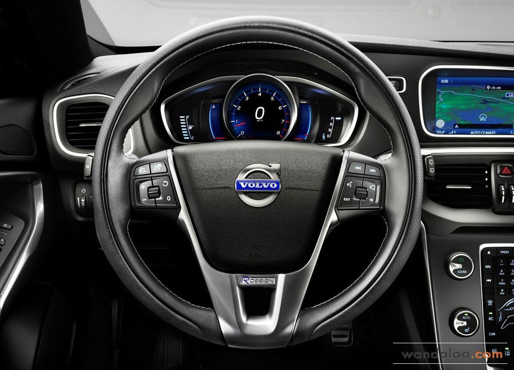 https://www.wandaloo.com/files/2012/09/Volvo-V40-R-Design-2013-07.jpg