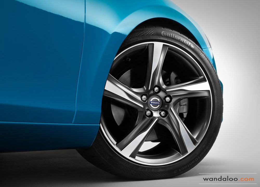 https://www.wandaloo.com/files/2012/09/Volvo-V40-R-Design-2013-11.jpg
