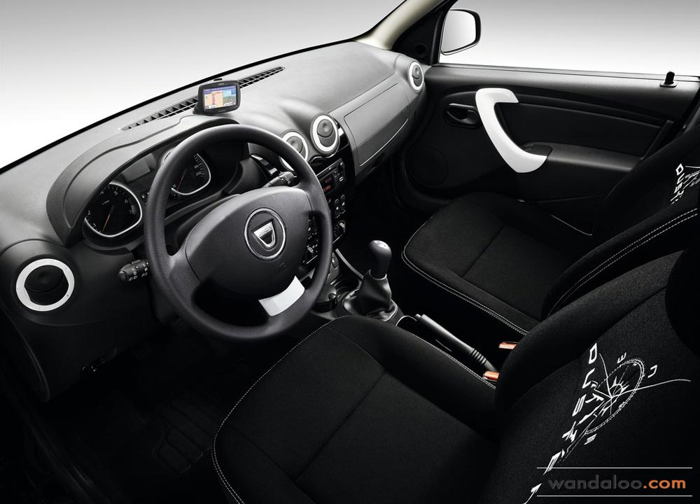 https://www.wandaloo.com/files/2013/03/Dacia-Logan-2-MCV-2014-Neuve-Maroc-07.jpg