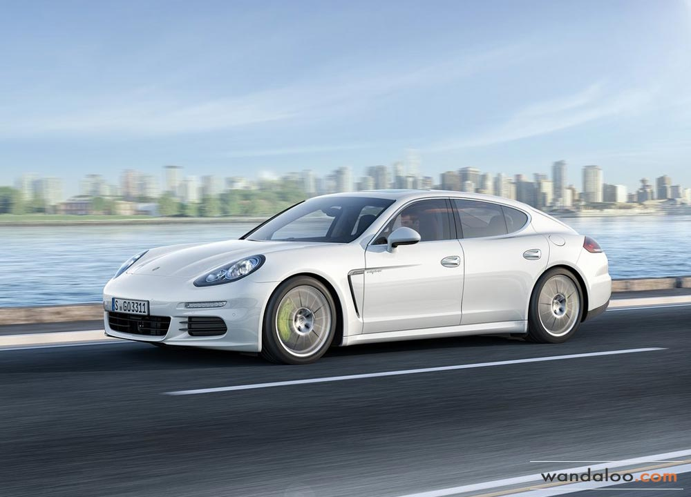 https://www.wandaloo.com/files/2013/07/Porsche-Panamera-2014-Maroc-03.jpg
