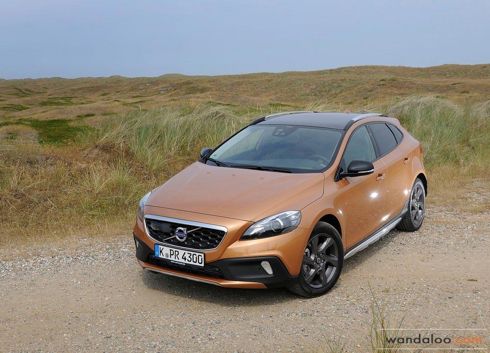 https://www.wandaloo.com/files/2013/08/Volvo-V40-Cross-Country-2014-Neuve-Maroc-01.jpg