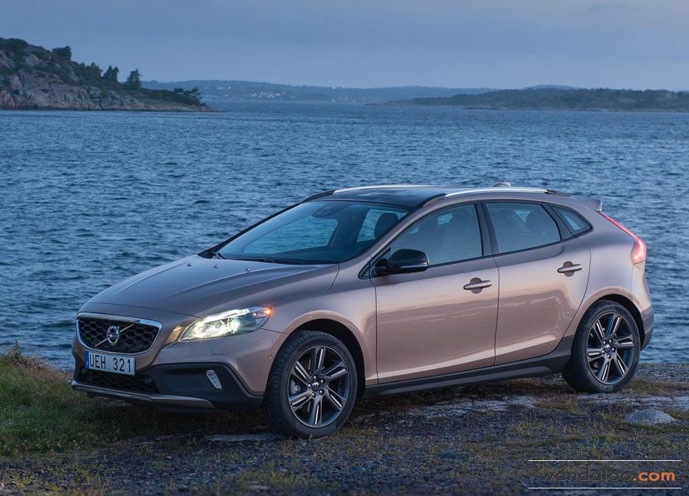 https://www.wandaloo.com/files/2013/08/Volvo-V40-Cross-Country-2014-Neuve-Maroc-03.jpg