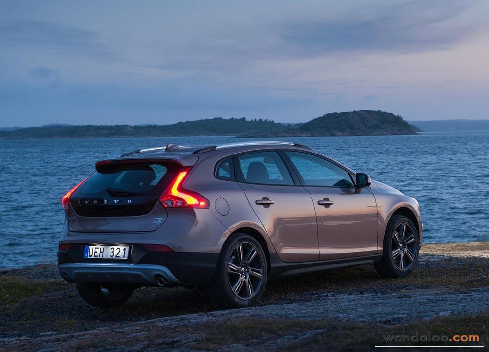https://www.wandaloo.com/files/2013/08/Volvo-V40-Cross-Country-2014-Neuve-Maroc-05.jpg