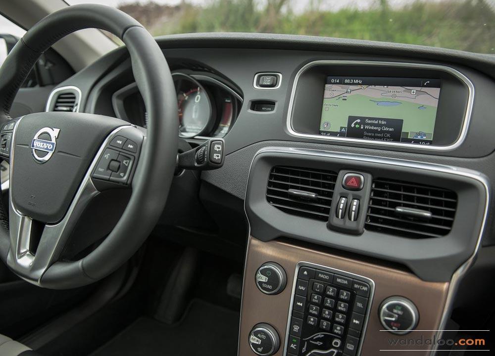 https://www.wandaloo.com/files/2013/08/Volvo-V40-Cross-Country-2014-Neuve-Maroc-07.jpg