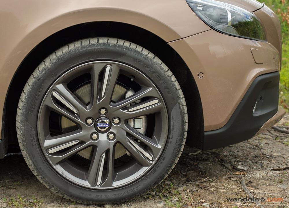 https://www.wandaloo.com/files/2013/08/Volvo-V40-Cross-Country-2014-Neuve-Maroc-11.jpg