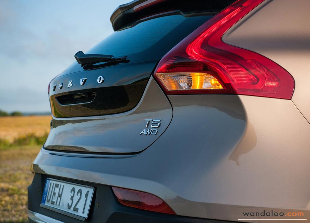 https://www.wandaloo.com/files/2013/08/Volvo-V40-Cross-Country-2014-Neuve-Maroc-12.jpg