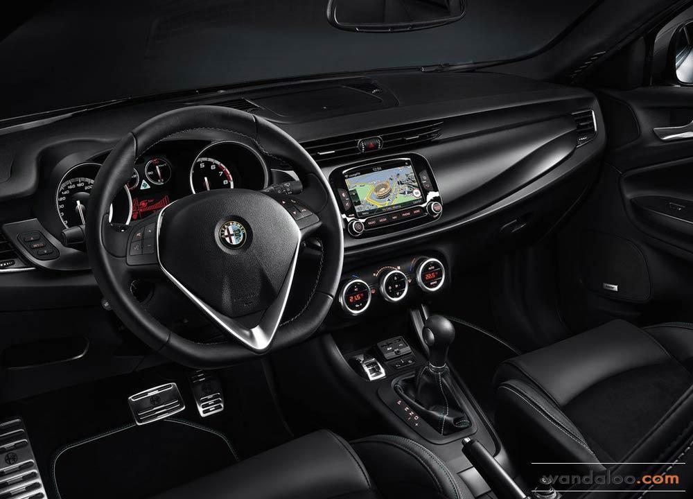 https://www.wandaloo.com/files/2014/06/Alfa-Romeo-Giulietta-Quadrifoglio-Verde-2014-Neuve-Maroc-06.jpg