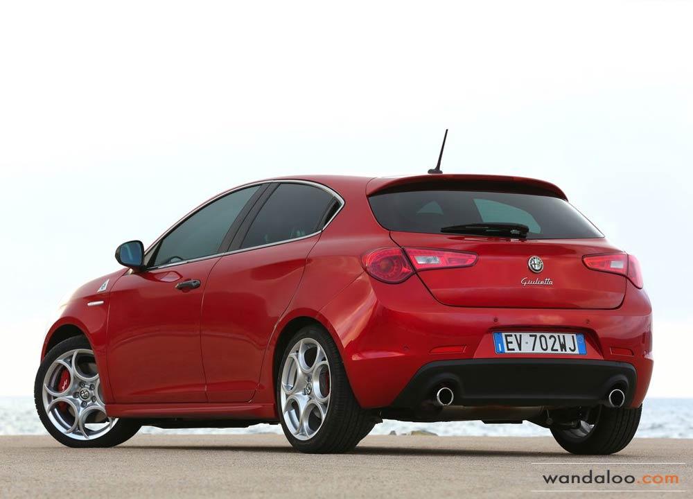 https://www.wandaloo.com/files/2014/06/Alfa-Romeo-Giulietta-Quadrifoglio-Verde-2014-Neuve-Maroc-13.jpg