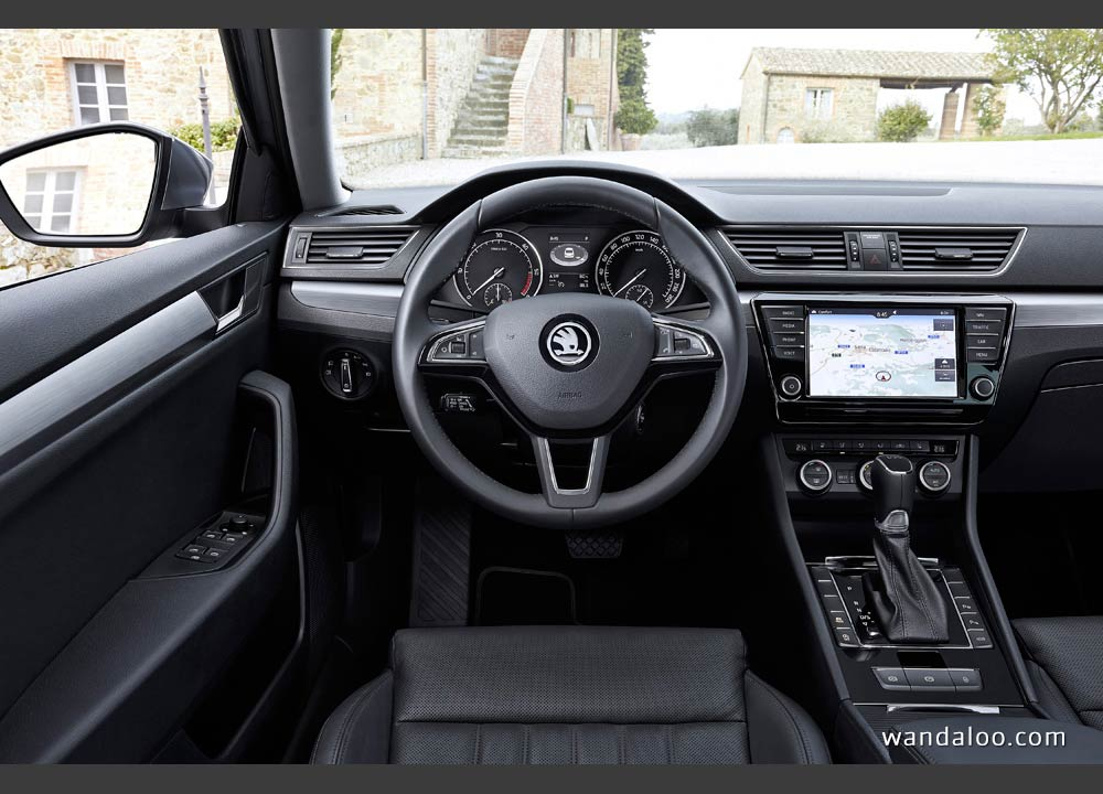 https://www.wandaloo.com/files/2015/04/Skoda-Superb-2015-neuve-Maroc-02.jpg